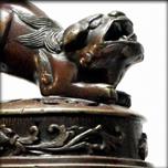 Vase Koro en bronze à patine rouge, période Meiji